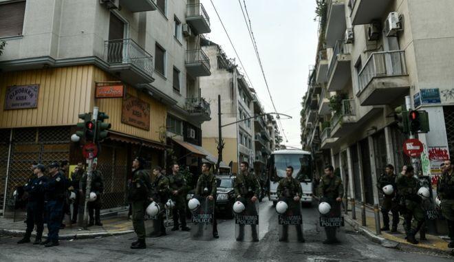 Επιχείρηση  της Ελληνικής Αστυνομίας σε υπο κατάληψη κτήριο. Φωτό αρχείου.