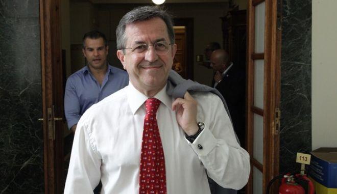 Ο βουλευτής Νίκος Νικολόπουλος προεσέρχεται στην συνεδρίαση της Κοινοβουλευτικής Ομάδας του κόμματος την Τρίτη 14 Ιουλίου 2015, στην Βουλή. (EUROKINISSI/ΓΙΑΝΝΗΣ ΠΑΝΑΓΟΠΟΥΛΟΣ)