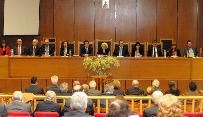 Έκτακτη Γενική Συνέλευση  της Ένωσης Δικαστών και Εισαγγελέων στο αμφιθέατρο του Εφετείου Αθηνών, το Σάββατο 8 Δεκεμβρίου 2012. (EUROKINISSI/ΑΝΤΩΝΗΣ ΝΙΚΟΛΟΠΟΥΛΟΣ)