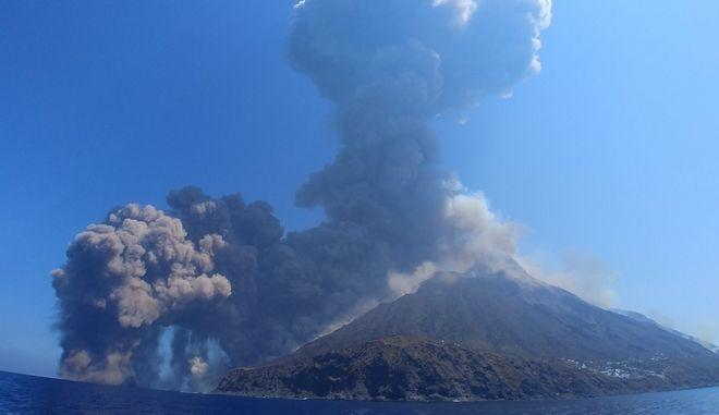 Έκρηξη του ηφαιστείου Στρόμπολι