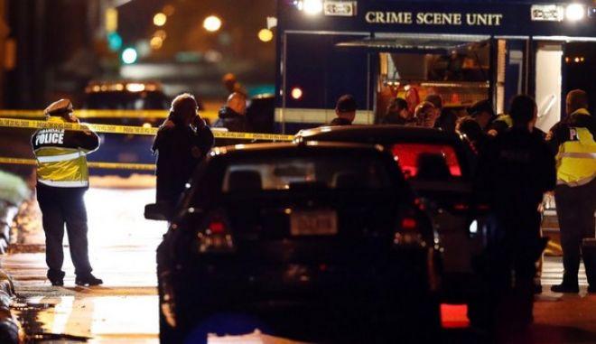 ΗΠΑ: Λευκοί οι αστυνομικοί που έχασαν τη ζωή τους σε δυο επιθέσεις