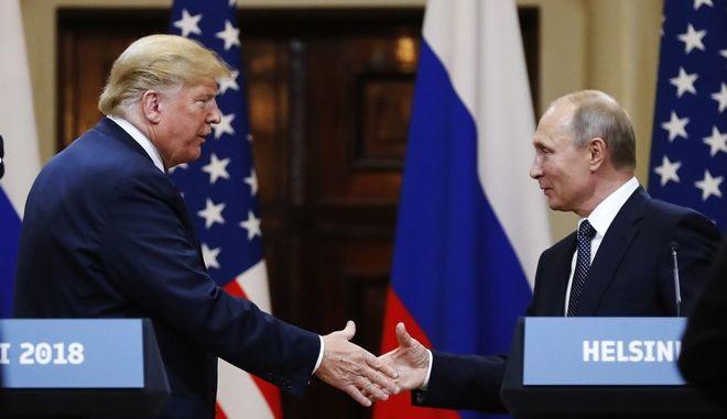Ο Αμερικανός πρόεδρος Ντόναλντ Τραμπ και ο Ρώσος ομόλογός του Βλαντιμίρ Πούτιν