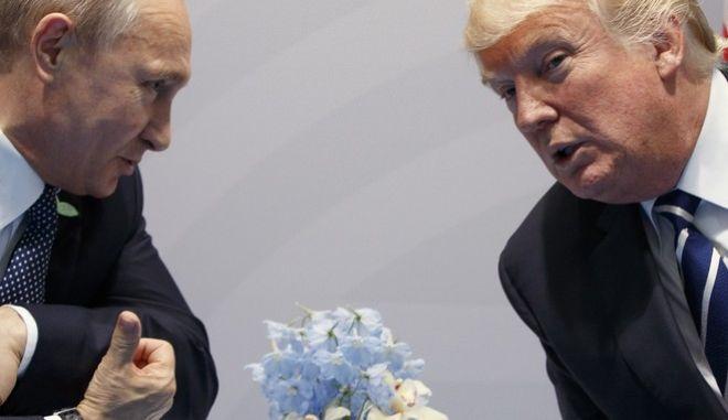 Η Γερουσία 'σέρνει' τον Τραμπ σε κυρώσεις κατά της Ρωσίας
