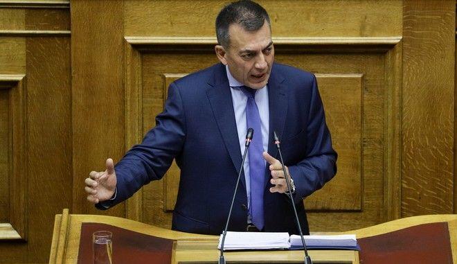 Βουλή: Στο βήμα ο Γιάννης Βρούτσης