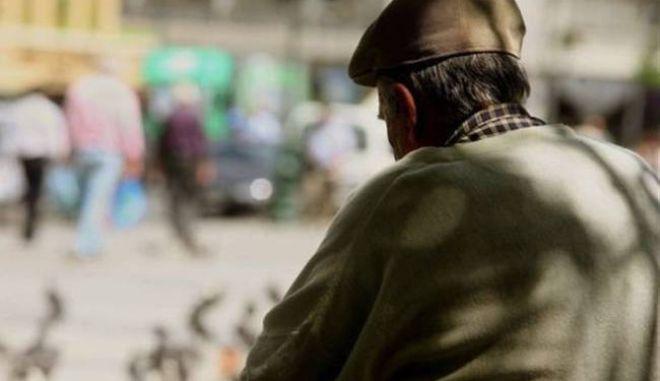 Εξαπατούν ηλικιωμένους με το πρόσχημα ότι συγγενικό τους πρόσωπο έχει εμπλακεί σε τροχαίο