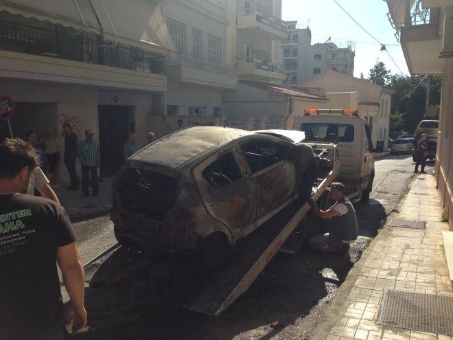 Πάτρα: Τσακώθηκε με τη μητέρα του και της έκαψε το αυτοκίνητο