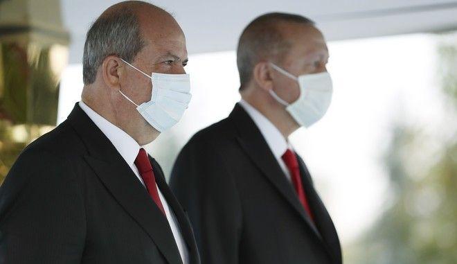 Οι Ρετζέπ Ταγίπ Ερντογάν και Ερσίν Τατάρ στην Άγκυρα τον Οκτώβριο του 2020