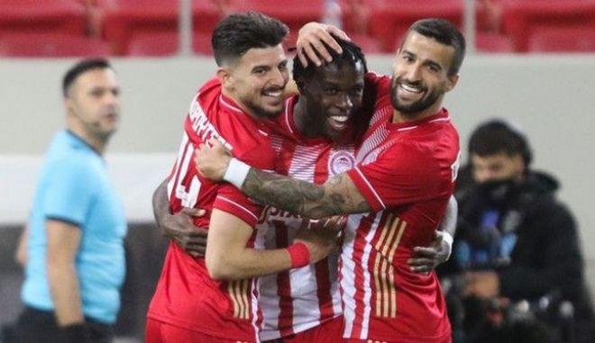 Ολυμπιακός-ΑΕΚ 2-0: Άλλαξε και νίκησε