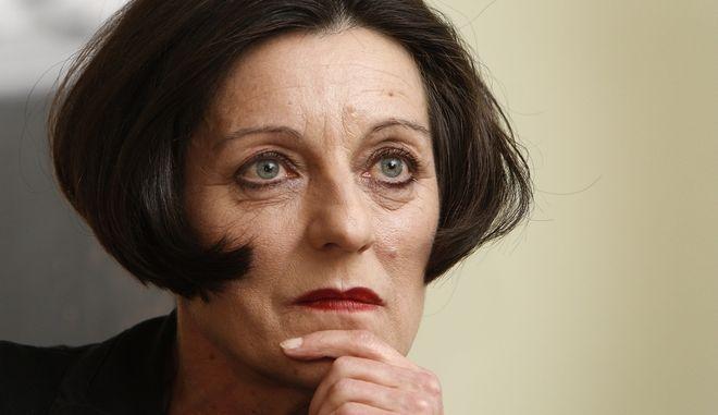 Η γερμανίδα συγγραφέας Χέρτα Μίλερ μετά τη βράβευσή της με το Νόμπελ Λογοτεχνίας το 2009(AP Photo/Michael Sohn)