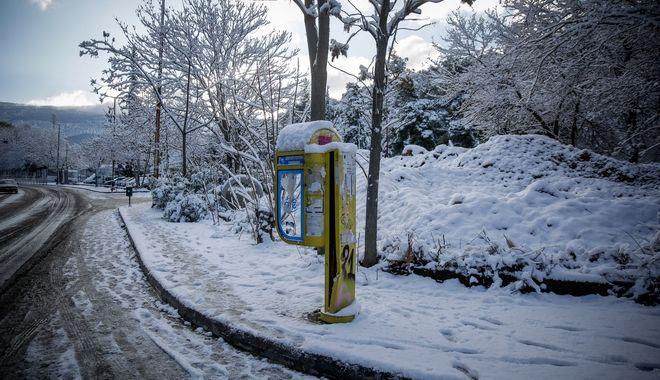 Χιονόπτωση στην περιοχή της Καισαριανής και του Υμηττού την Τρίτη 8 Ιανουαρίου 2019