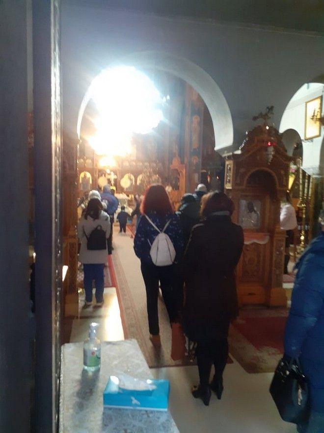 Ποιο Lockdown; Απίστευτες εικόνες συνωστισμού στον Άγιο Ιωάννη, με ρεκόρ κρουσμάτων στην Αττική