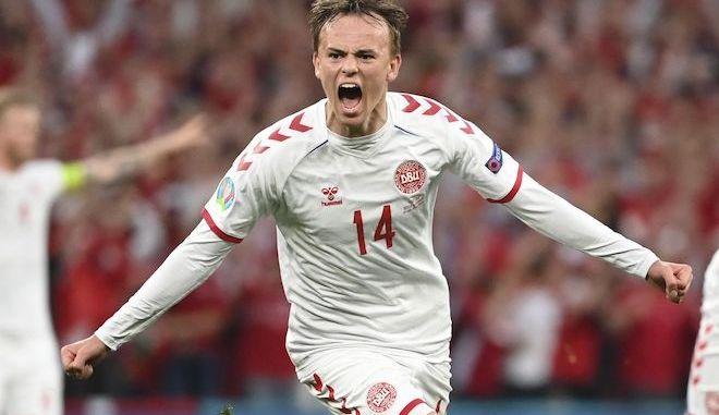 Euro 2020: Ανατροπή από τη Δανία - Νίκησε τη Ρωσία και πέρασε στους 16