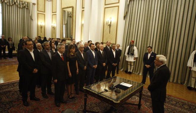 Ορκωμοσία της νέας κυβέρνησης το Σάββατο 5 Νοεμβρίου 2016, στο Προεδρικό Μέγαρο. (EUROKINISSI/ΓΙΩΡΓΟΣ ΚΟΝΤΑΡΙΝΗΣ)
