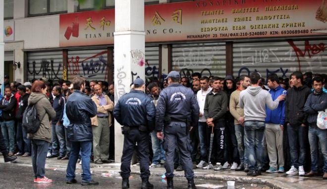 ΑΘΗΝΑ-21-11-2012-Επιχείρηση «σκούπα» υπό την ονομασία «Ξένιος Ζευς» από το υπουργείο Δημόσιας Τάξης σήμερα στο κέντρο της Αθήνας.(EUROKINISSI-ΓΕΩΡΓΙΑ ΠΑΝΑΓΟΠΟΥΛΟΥ)