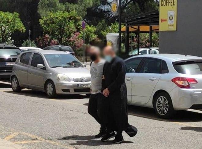 Αγρίνιο: Η συγκλονιστική μαρτυρία στο LadyLike.gr, που οδήγησε στη σύλληψη ιερέα για βιασμό