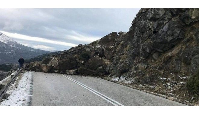 Κατολίσθηση εξαφάνισε τον δρόμο στην παλιά εθνική οδό Ιωαννίνων -Μετσόβου