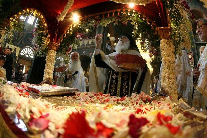 Η τελετή της αποκαθήλωσης και το προσκύνημα του Επιταφίου, στον Ιερό Ναό του Προφήτη Ηλία στο Παγκράτι (φωτογραφία αρχείου)
