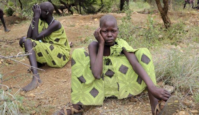 Nεαρά κορίτσια στο Νότιο Σουδάν