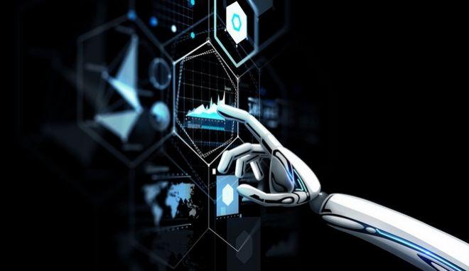 Ένα ρομπότ αγγίζει μια vrtual οθόνη