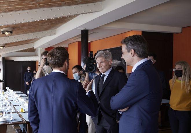 Στη Μασσαλία ο Μητσοτάκης: Γεύμα με Μακρόν και Χάρισον Φορντ