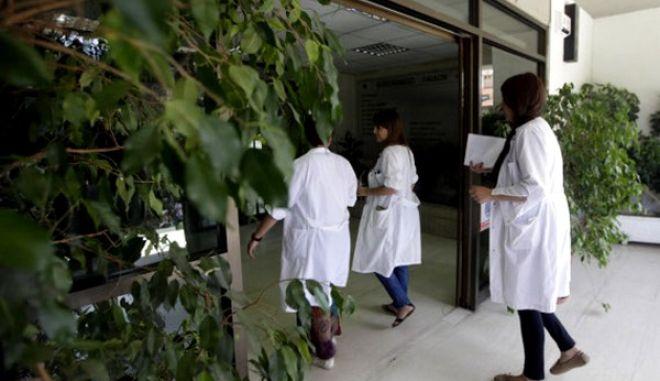 Σε ισορροπία τρόμου η Υγεία: Παρατείνουν την απεργία οι γιατροί έως τις 19 Δεκεμβρίου