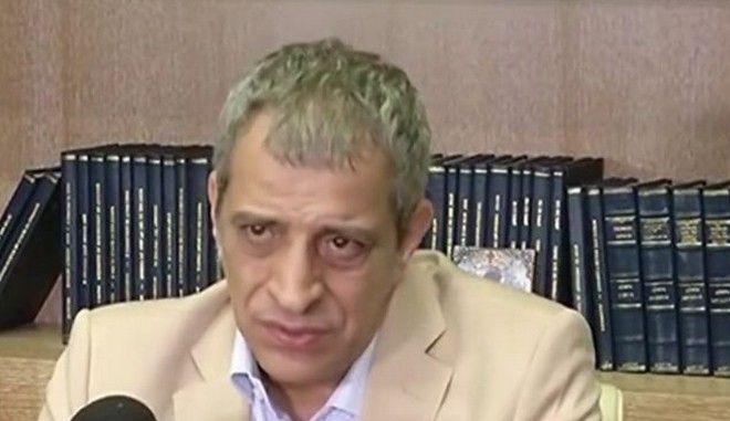 Ο Θέμης Αδαμαντίδης στη συνέντευξη Τύπου που έδωσε μετά τον ξυλοδαρμό του