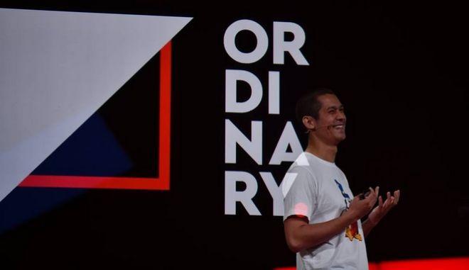 Ο Σεφ, γνωστός από τη συμμετοχή του στο Master Chef, Σωτήρης Κοντιζάς, στο stage του TEDx Athens