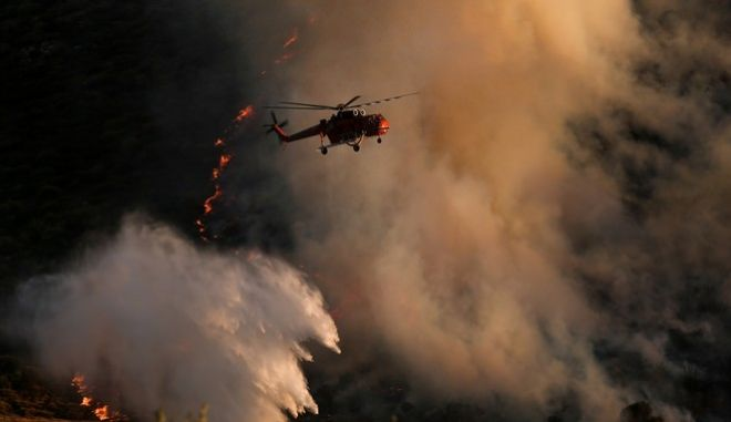 Wildfire in Kalyvia, easter Attica on July 31, 2017. /        , 31  2017.