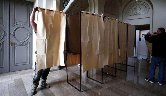 Γαλλικές εκλογές: Ξεκίνησε η ψηφοφορία στα υπερπόντια γαλλικά εδάφη