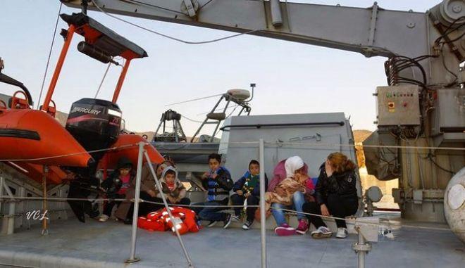 Ενώ οι Ευρωπαίοι συζητούν, τα ναυάγια συνεχίζονται. Νέα διάσωση ανοιχτά της Λέσβου