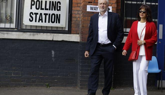 Εκλογές Βρετανία Jeremy Corbyn(Labour Party) με τη γυναίκα του