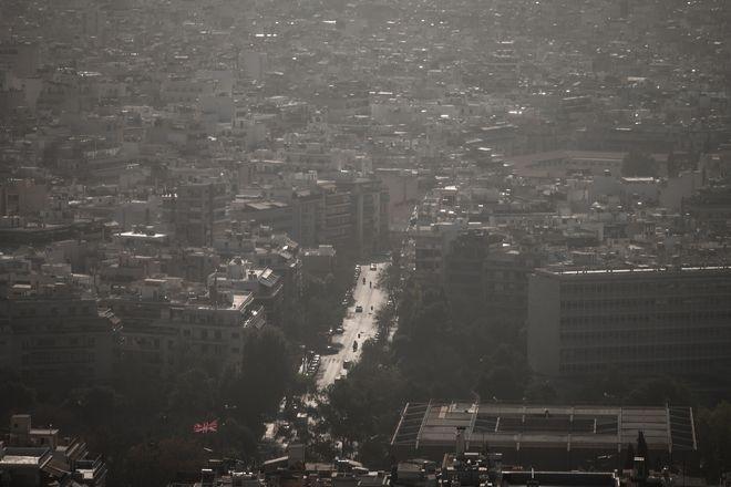 Εισβολή ζέστης και αφρικανικής σκόνης μέσα στον χειμώνα, Σάββατο 9 Ιανουαρίου 2021 (ΒΑΣΙΛΗΣ ΡΕΜΠΑΠΗΣ / EUROKINISSI)
