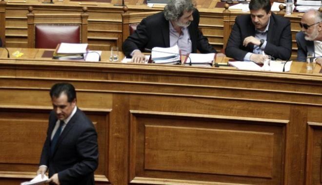 Συζήτηση στην Ολομέλεια της Βουλής για την πρόταση ΣΥΡΙΖΑ-ΑΝ.ΕΛΛ. αναφορικά με τη σύσταση εξεταστικής επιτροπής που θα διερευνήσει το ειδικό ζήτημα δημόσιου ενδιαφέροντος για τη διαφθορά και την κατασπατάληση δημόσιου χρήματος στο χώρο της υγείας κατά τα έτη 1997 έως και 2014, αλλά και η πρόταση της Ν.Δ. για διεύρυνση της έρευνας από το 1996 έως σήμερα, την Μεγ. Τετάρτη 12 Απριλίου 2017. (EUROKINISSI/ΓΙΩΡΓΟΣ ΚΟΝΤΑΡΙΝΗΣ)