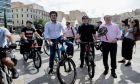 Εκδήλωση για την χρήση του ποδηλάτου, παρουσία του υπουργού Ενέργειας Κωστή Χατζηδάκη, του προέδρου της ΚΕΔΕ Δημήτρη Παπαστεργίου και των δημάρχων Αθήνας και Πειραιά, Κώστα Μπακογιάννη και Γιάννη Μώραλη