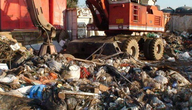 Πρόβλημα με τα σκουπίδια στην Αθήνα. Κλειστός ο ΧΥΤΑ Φυλής παραμονή Χριστουγέννων