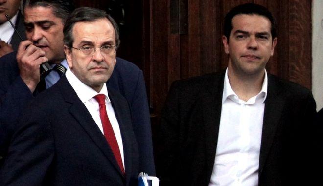 """Τα νέα προεκλογικά σποτ ΝΔ και ΣΥΡΙΖΑ με ειρωνεία και """"άρωμα"""" εθνικών εκλογών"""