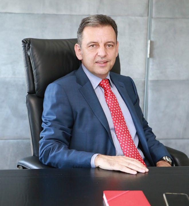 Χάρης Μπρουμίδης στο NEWS 247: Συχνά επικρίνουμε στερεοτυπικά μια φιλόδοξη γυναίκα στο χώρο εργασίας