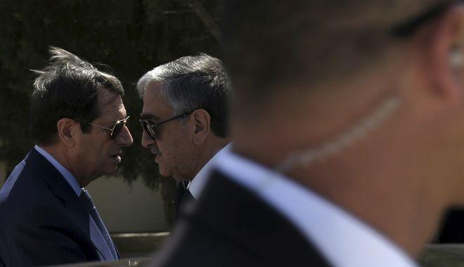 Ο Πρόεδρος της Κυπριακής Δημοκρατίας N. Αναστασιάδης και ο Τουρκοκύπριος ηγέτης, Μουσταφά Ακιντζί