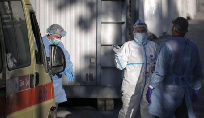 Γιατροί σε νοσοκομείο της Θεσσαλονίκης