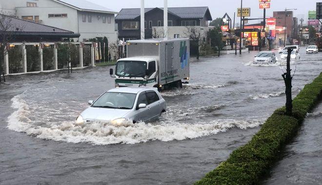 Αρκετές πόλεις πλημμύρισαν ανατολικά του Τόκιο.