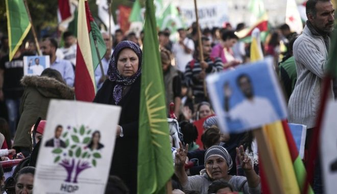 #FREEHDPNOW - Demonstration in solidarity to the 11 arrested Turkish HDP Party (People's Democratic Party) members, in Syntagma, on Nov. 5, 2016 / #FREEHDPNOW -       11      HDP    . ,  5 , 2016