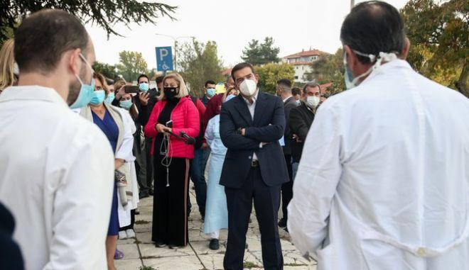 O πρόεδρος του ΣΥΡΙΖΑ-Προοδευτική Συμμαχία, Αλέξης Τσίπρας στο νοσοκομείο «Γεώργιος Παπανικολάου»