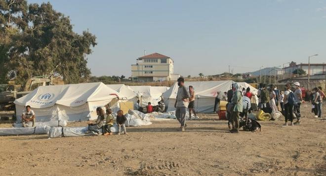 Λέσβος: Στο Πεδίο Βολής οι πρώτοι αιτούντες άσυλο - Η διαδικασία