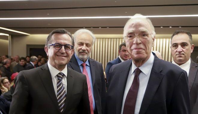Ο πρόεδρος της Ένωσης Κεντρώων Βασίλης Λεβέντης και ο πρόεδρος του ΧΡΙΚΕ Νίκος Νικολόπουλος σε εκδήλωση τον Δεκέμβριο του 2018