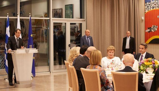 Από το επίσημο δείπνο προς τιμήν του πρωθυπουργού