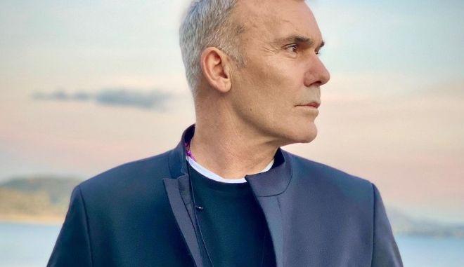 Στέλιος Ρόκκος: Βαρύ πένθος για τον τραγουδιστή - Έφυγε από τη ζωή ο αδερφός του