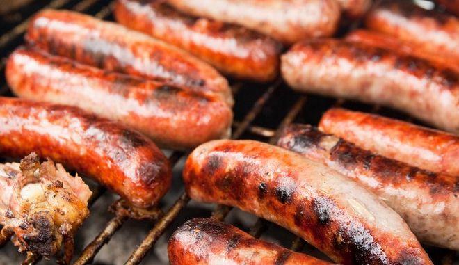 'Τρώτε άφοβα λουκάνικα', προτρέπει ο Γερμανός υπουργός Τροφίμων και Γεωργίας