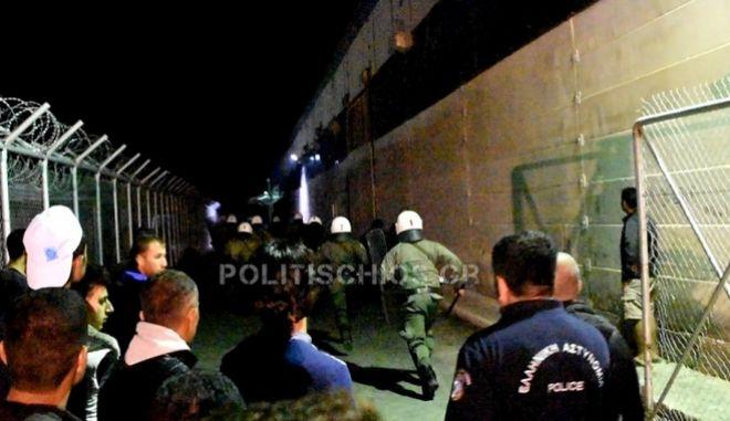 Χίος: Συμπλοκές προσφύγων στον καταυλισμό της ΒΙΑΛ