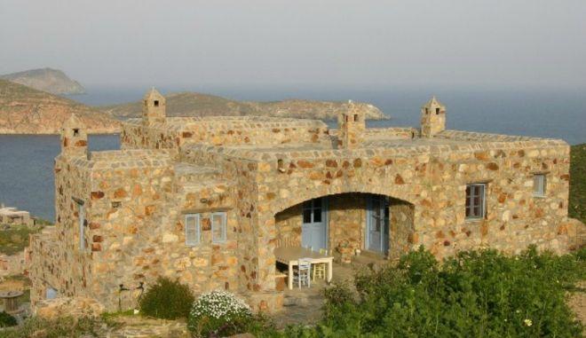 Η βίλα του Παπακωνσταντίνου και το ενοίκιο που αυξήθηκε