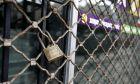 Η Εθνική Συνομοσπονδία Ελληνικού Εμπορίου εκπροσωπώντας το ελληνικό εμπόριο αποφάσισε να δηλώσει την αντίθεσή της στην απειλή αφανισμού που δέχεται η ελληνική μικρομεσαία επιχείρηση με τη διοργάνωση τριημέρου κινητοποιήσεων (21, 22 & 23/2/2011) που θα κορυφωθεί με το κλείσιμο των εμπορικών καταστημάτων πανελλαδικά την Τετάρτη 23 Φεβρουαρίου.  (EUROKINISSI / ΖΩΝΤΑΝΟΣ ΑΛΕΞΑΝΔΡΟΣ)